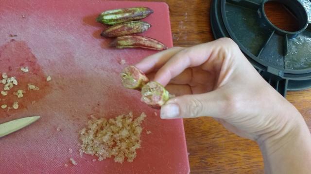Preparing finger limes